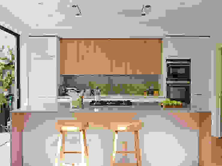 Breakfast Seating Space Holloways of Ludlow Bespoke Kitchens & Cabinetry Cocinas modernas Madera Acabado en madera