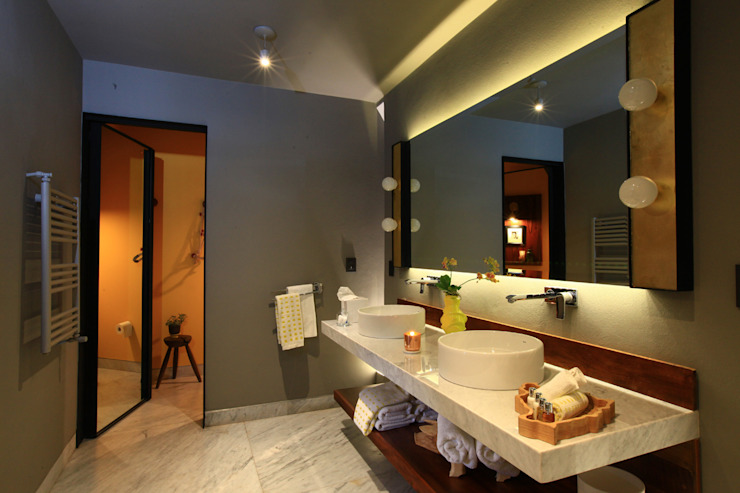 Bathroom by Germán Velasco Arquitectos ,