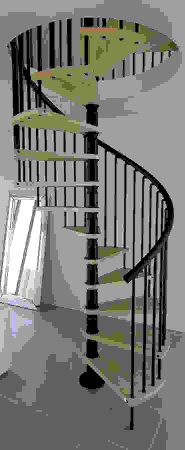 Escalera de Caracol cómoda y elegante de RINTAL Moderno Madera maciza Multicolor