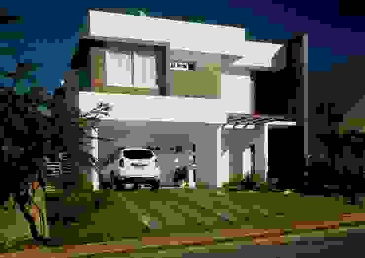 Casas modernas de WB Arquitetos Associados Moderno Madera Acabado en madera