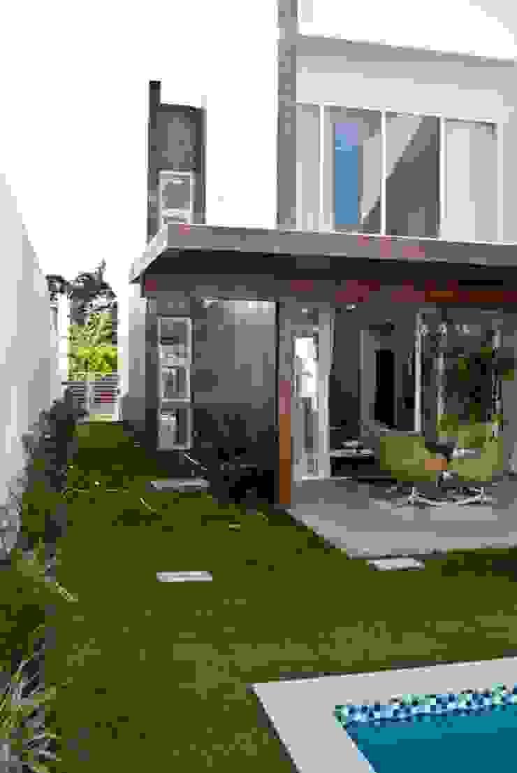 Parede Cimento Queimado Paredes e pisos modernos por WB Arquitetos Associados Moderno