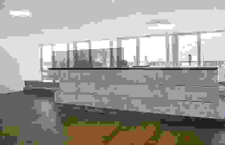 Wohninvest_002 Moderne Bürogebäude von PFERSICH Büroeinrichtungen GmbH Modern