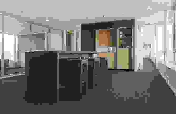 Wohninvest_007 Moderne Bürogebäude von PFERSICH Büroeinrichtungen GmbH Modern