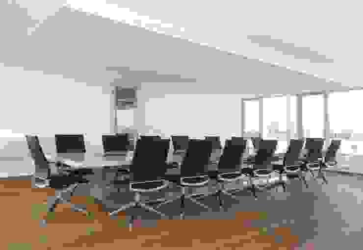Wohninvest_013 Moderne Bürogebäude von PFERSICH Büroeinrichtungen GmbH Modern