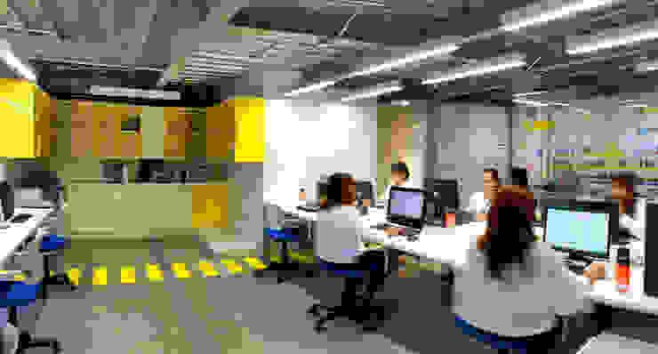 Oficinas BNI Estudios y despachos clásicos de DIN Interiorismo Clásico