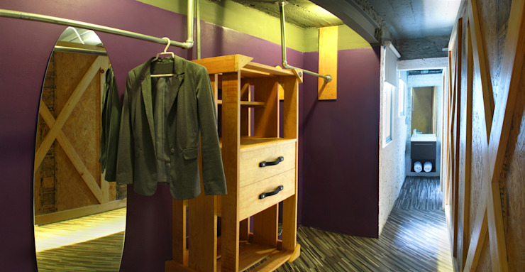 Modern walls & floors by DIN Interiorismo Modern