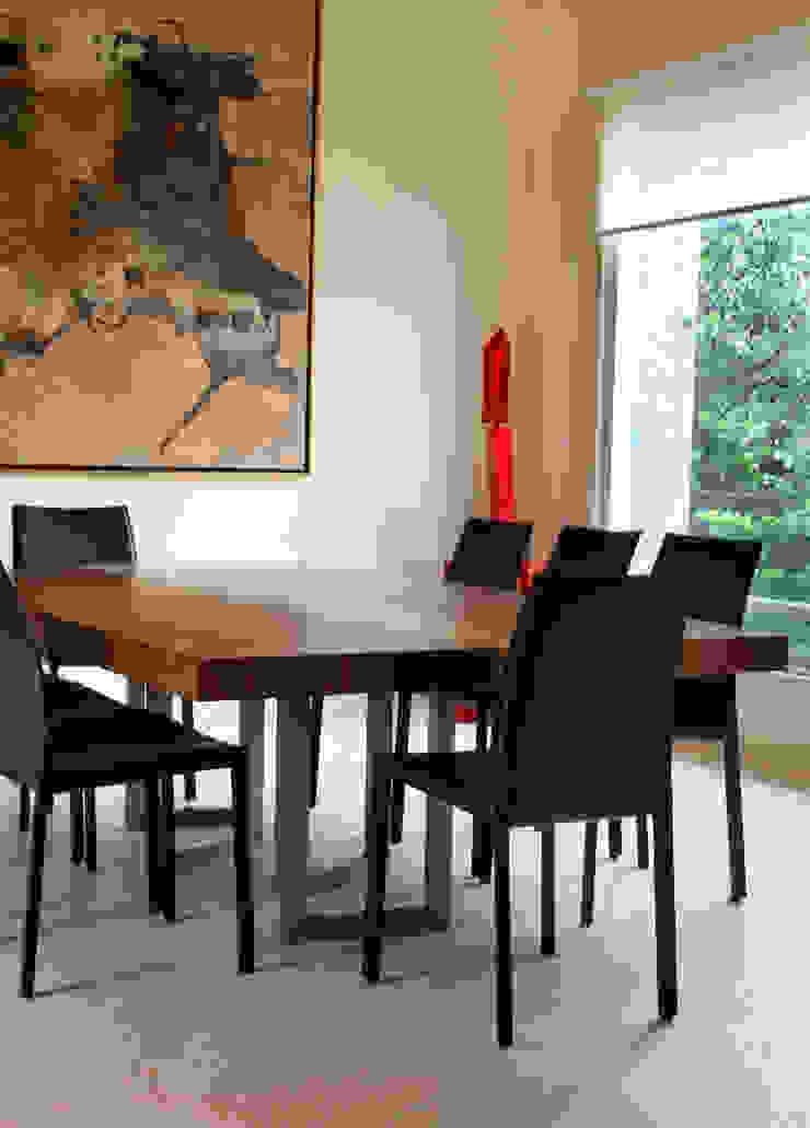 Ruang Makan Modern Oleh DIN Interiorismo Modern