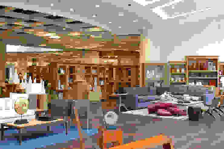 Casa Palacio Salones modernos de DIN Interiorismo Moderno