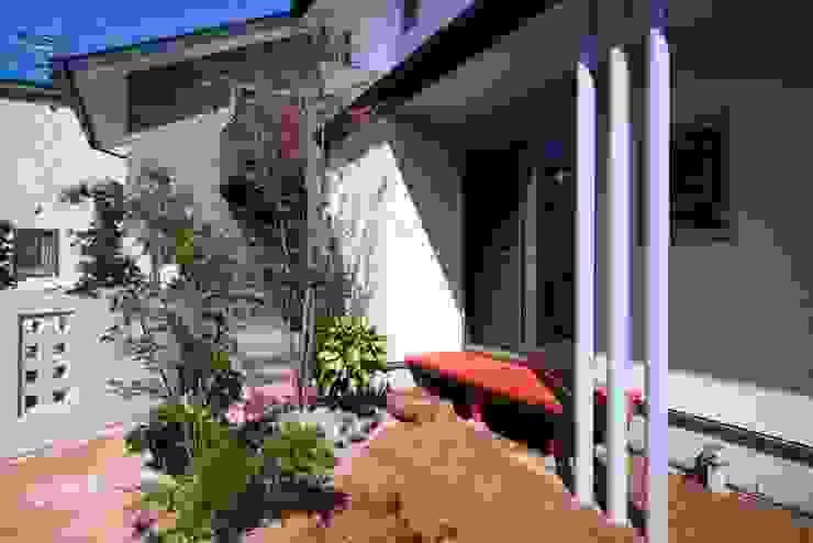 西新の家 アジア風 庭 の AMI ENVIRONMENT DESIGN/アミ環境デザイン 和風
