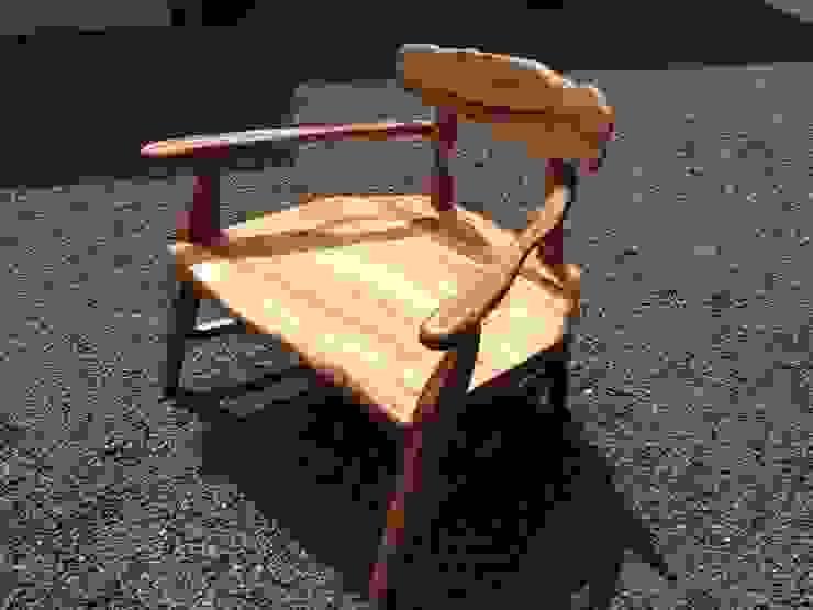1人掛け、私だけの椅子: 木工房&ぎゃらりー ふじやんが手掛けた折衷的なです。,オリジナル