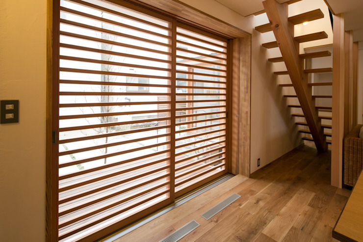 Modern windows & doors by 清建築設計室/SEI ARCHITECT Modern