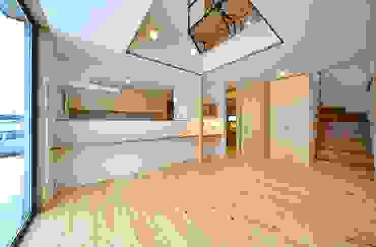 米沢・徳町の家 モダンデザインの ダイニング の 清建築設計室/SEI ARCHITECT モダン