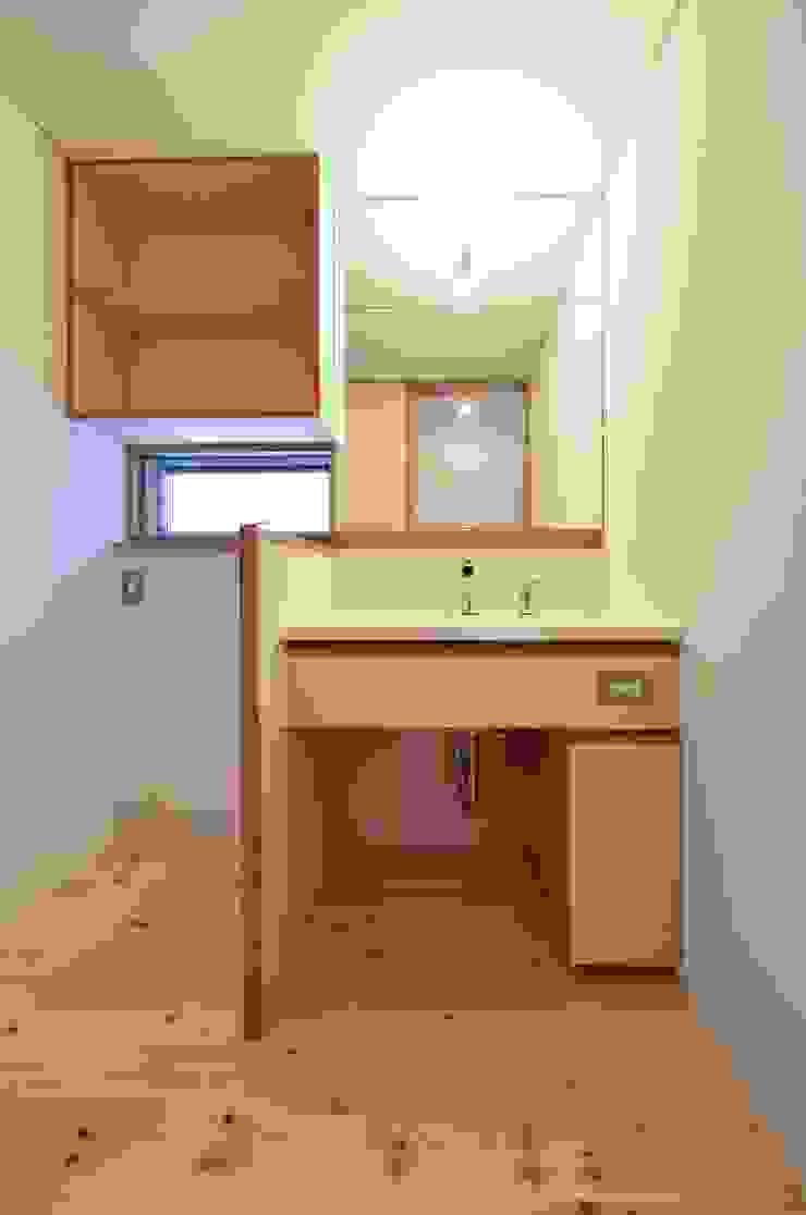 米沢・徳町の家 モダンスタイルの お風呂 の 清建築設計室/SEI ARCHITECT モダン