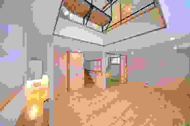 米沢・徳町の家 モダンデザインの リビング の 清建築設計室/SEI ARCHITECT モダン