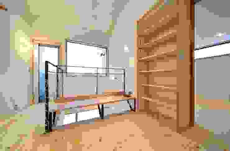 米沢・徳町の家 モダンデザインの 多目的室 の 清建築設計室/SEI ARCHITECT モダン
