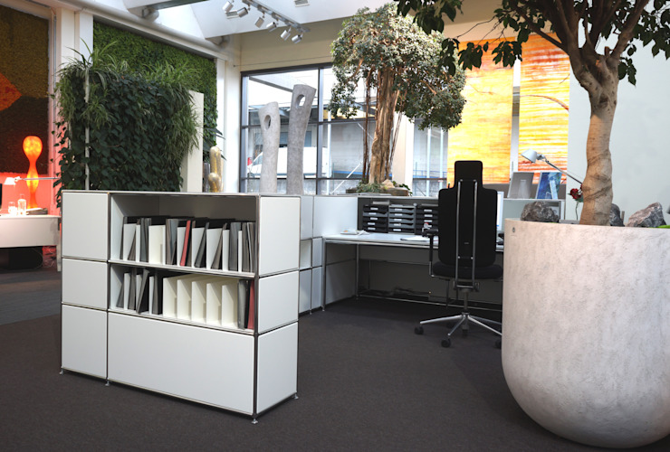 Thekenmöbel mit vollwertigem Arbeitsplatz Ausgefallene Geschäftsräume & Stores von PFERSICH Büroeinrichtungen GmbH Ausgefallen