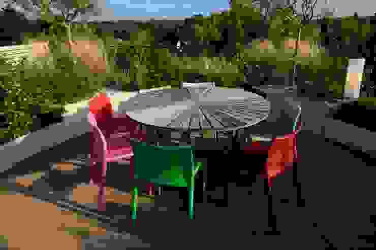 Projekty,  Ogród zaprojektowane przez CONCEPTUELLES PAYSAGE ET DECORATION, Nowoczesny