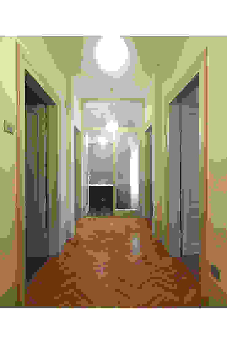 STUDIO DI ARCHITETTURA RAFFIN Classic style corridor, hallway and stairs