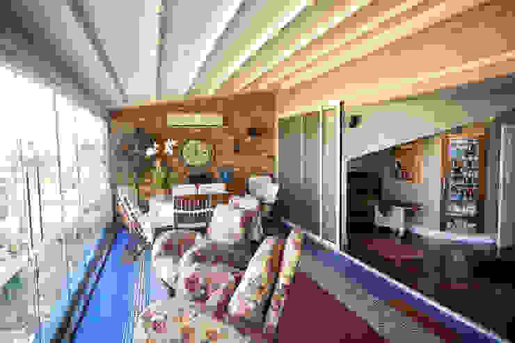İndeko İç Mimari ve Tasarım Balkon, Beranda & Teras Modern