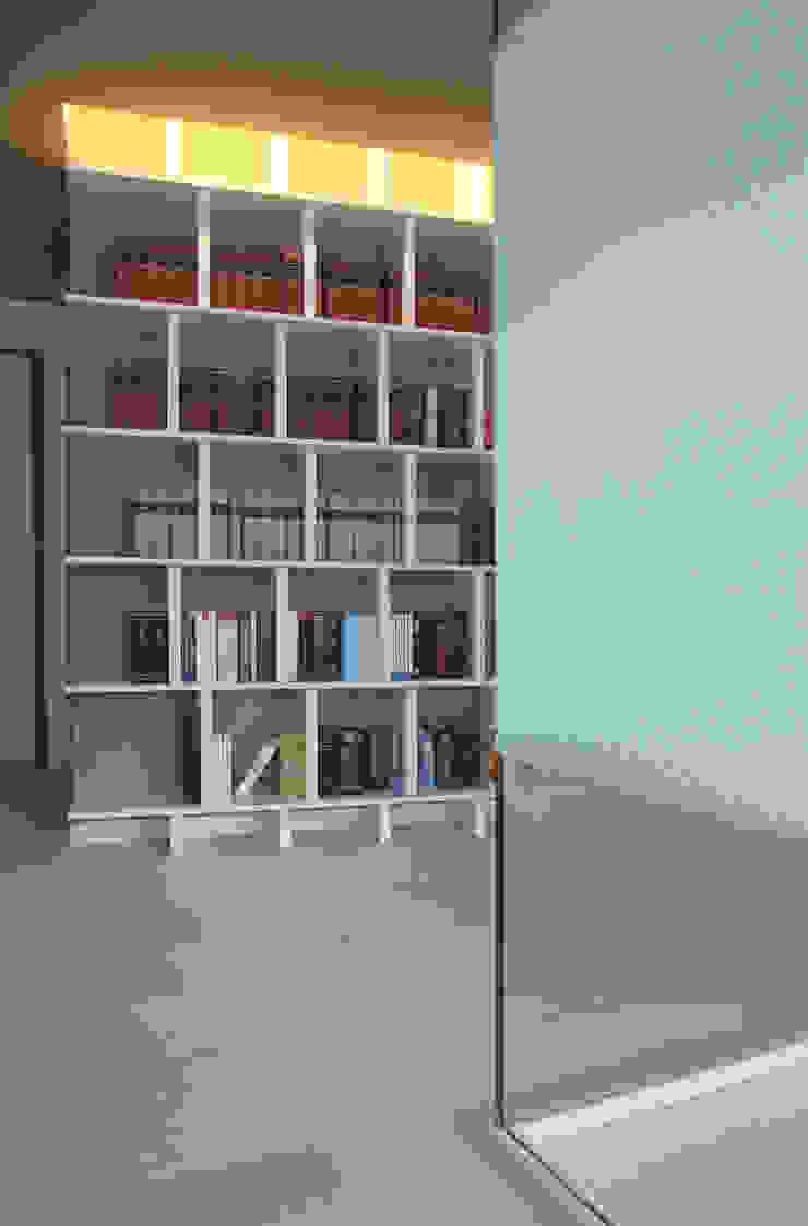 STUDIO DI ARCHITETTURA RAFFIN Moderne Wohnzimmer