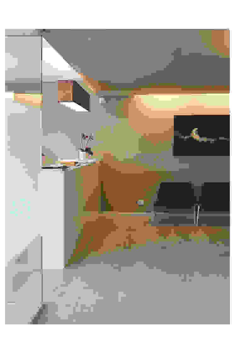 STUDIO DI ARCHITETTURA RAFFIN Moderner Flur, Diele & Treppenhaus