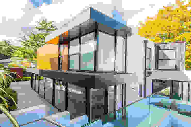 Huizen door David James Architects & Partners Ltd,