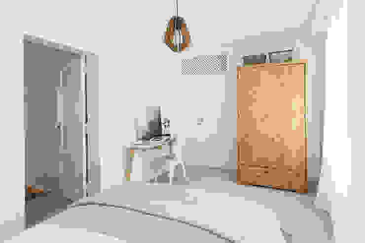 Remodelação de apartamento: Quartos  por Architect Your Home