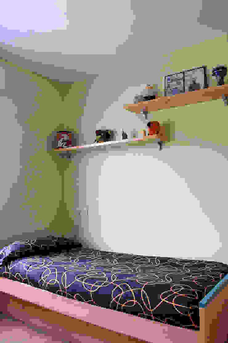 Modern style bedroom by Danma Design Modern MDF