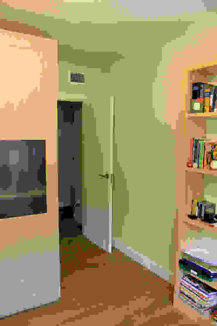 Modern style bedroom by Danma Design Modern Wood Wood effect