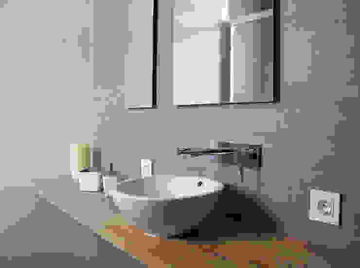 Modern bathroom by Danma Design Modern Ceramic