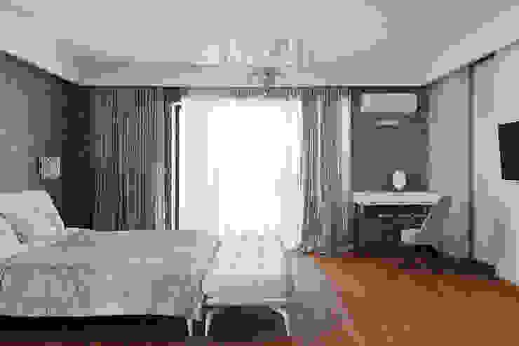 Chambre minimaliste par Анна и Станислав Макеевы Minimaliste