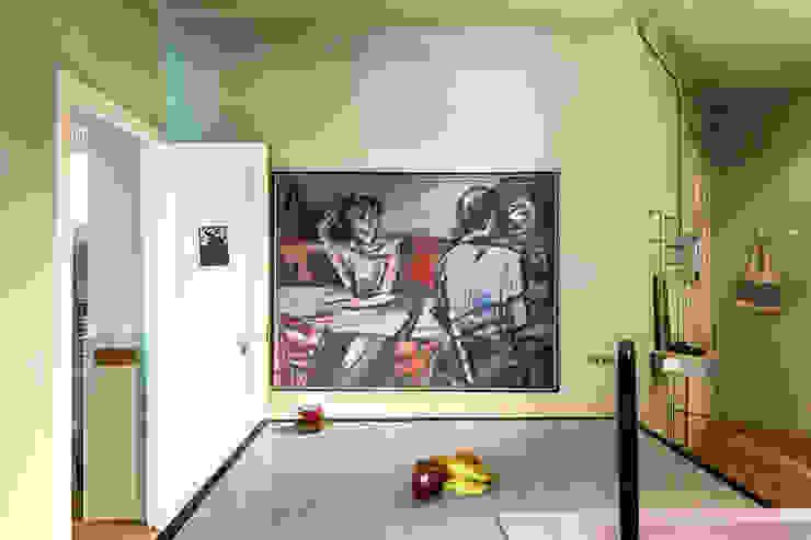 JV-FLAT-REFURBISHMENT-SARDENYA Pasillos, vestíbulos y escaleras de estilo moderno de Andres Flajszer Photography Moderno