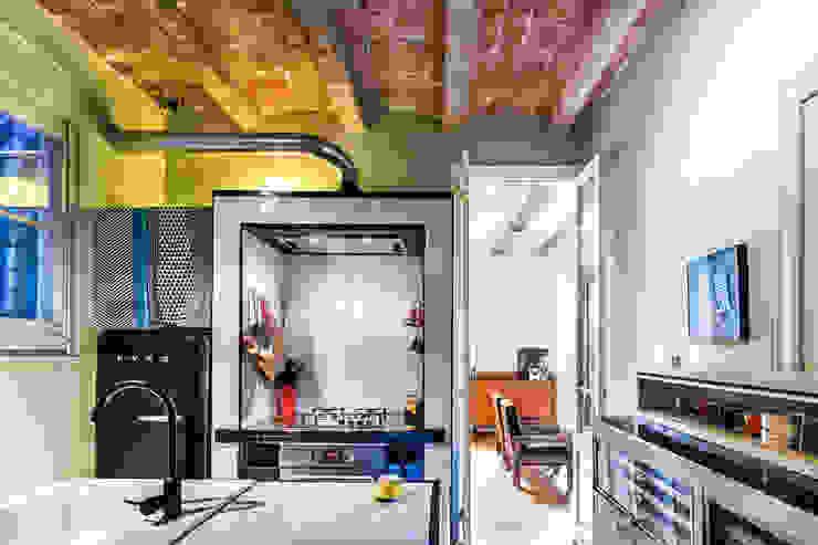 JV-FLAT-REFURBISHMENT-SARDENYA Cocinas de estilo moderno de Andres Flajszer Photography Moderno