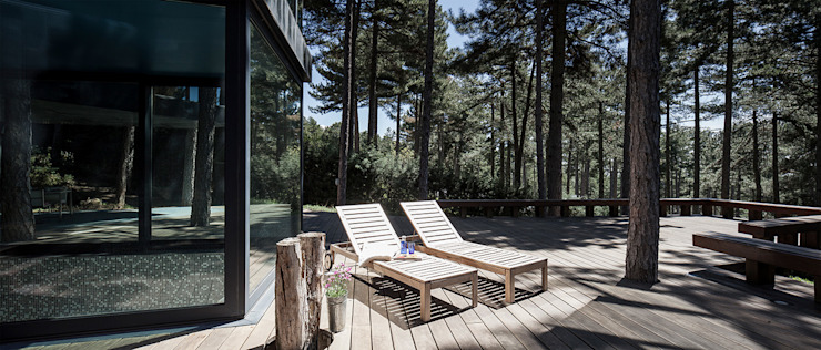 The Sibarist Casa Levene Nowoczesny balkon, taras i weranda od The Sibarist Property & Homes Nowoczesny