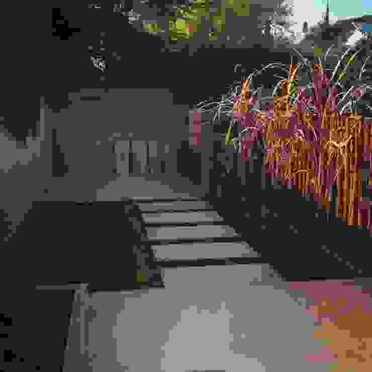 Garden by Brarda Roda Arquitectos, Modern
