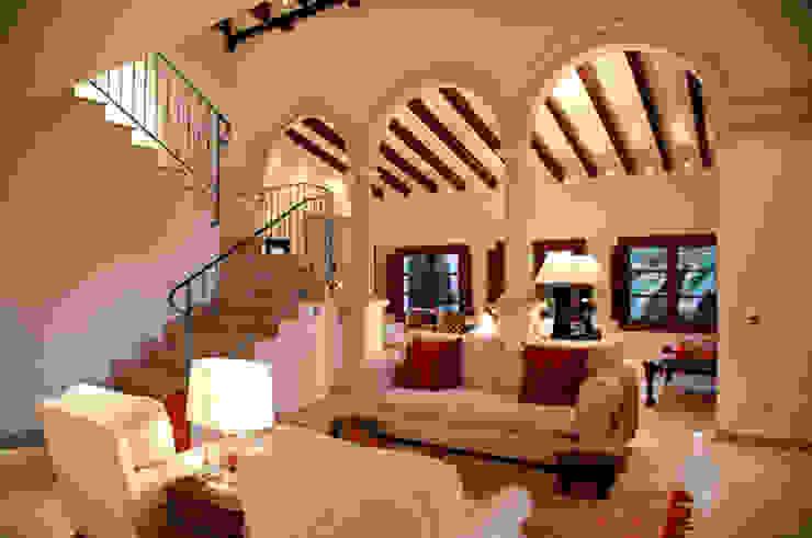 HOUSE in Majorca, Spain aureolighting Salones de estilo moderno