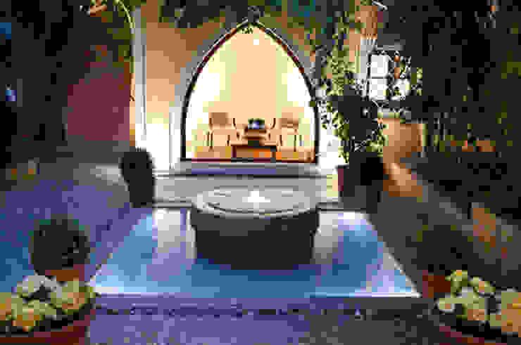 HOUSE in Majorca, Spain aureolighting Piscinas de estilo moderno