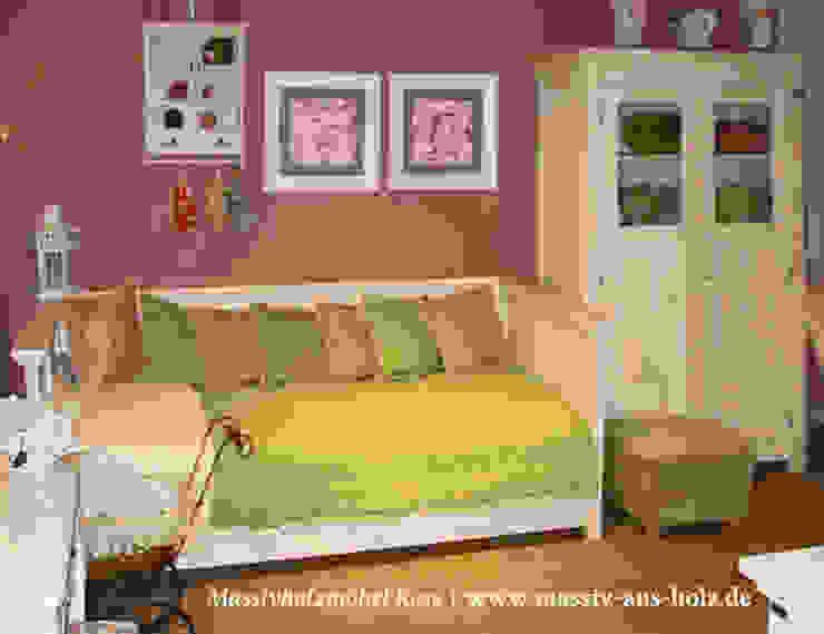 Bett mit Lehne und Schubladen in Weiß von Massiv aus Holz Skandinavisch Massivholz Mehrfarbig