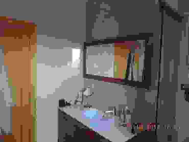 A casa de banho.... por Espaços Únicos - EU InteriorDecor