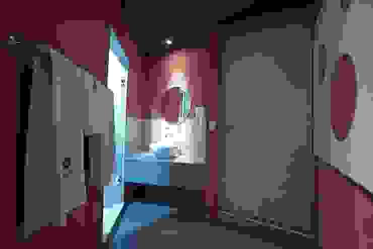 Hotel Ke Color Baños modernos de DIN Interiorismo Moderno