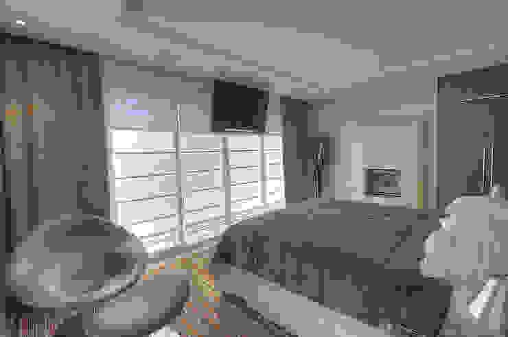 Modern style bedroom by Pauline Kubiak Arquitetura Modern