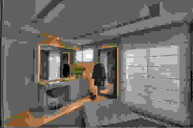 غرفة الملابس تنفيذ Pauline Kubiak Arquitetura