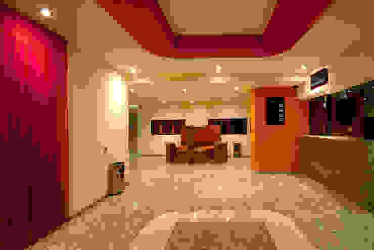 Hotel Cuore Pasillos, vestíbulos y escaleras modernos de DIN Interiorismo Moderno