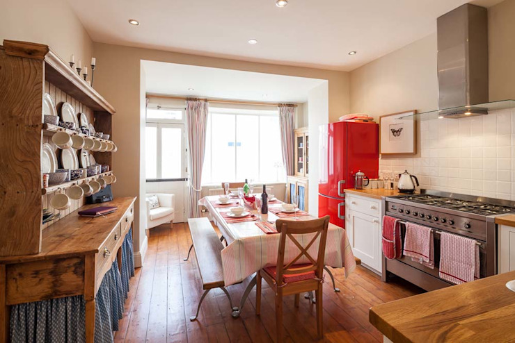Self Catering Holiday Cottage Derek Phillips Photography Country style kitchen