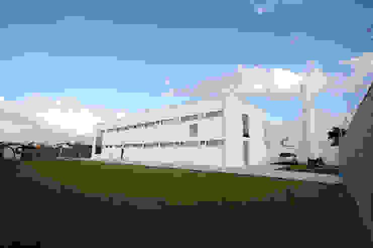 Fachada Lateral Edifícios comerciais modernos por Habitat Arquitetos Moderno