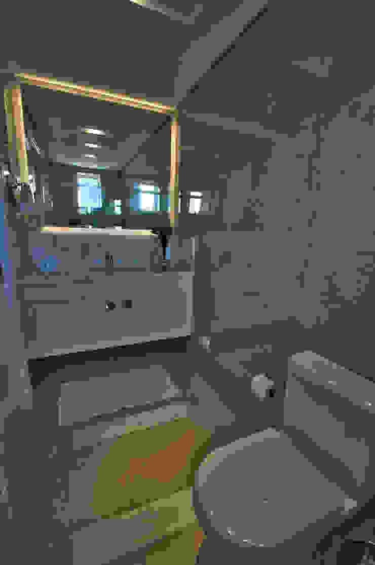 Modern bathroom by Pauline Kubiak Arquitetura Modern