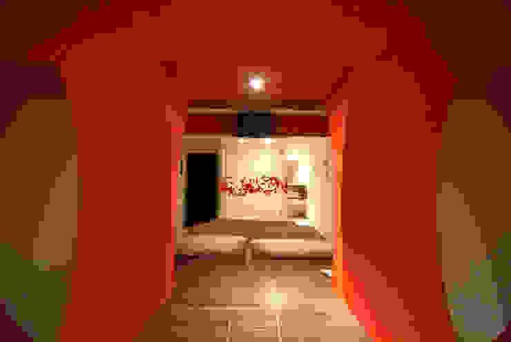 Hotel Aquz Pasillos, vestíbulos y escaleras modernos de DIN Interiorismo Moderno