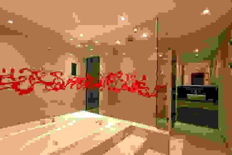 Hotel Aquz Baños modernos de DIN Interiorismo Moderno