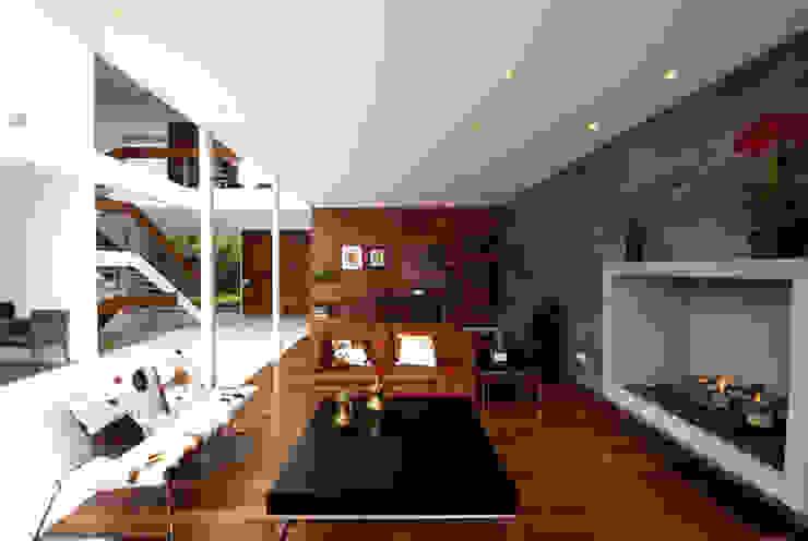DIN Interiorismo Salas de estar modernas