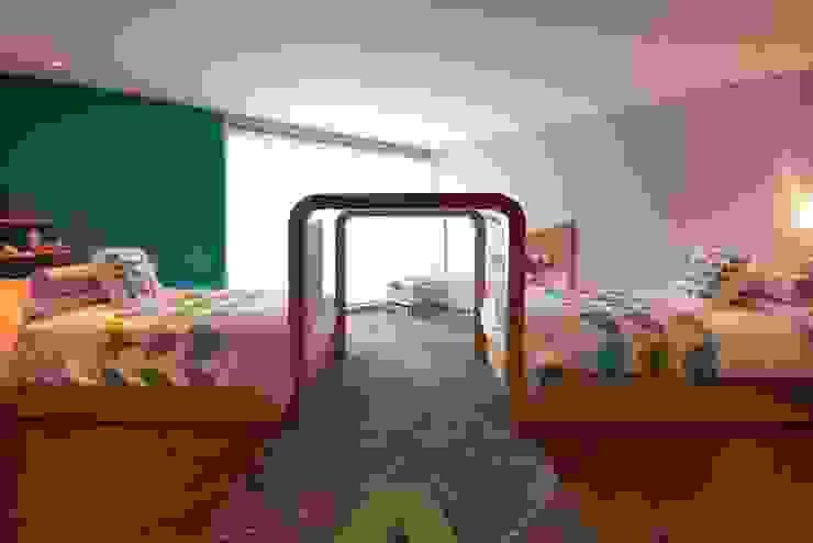 Casa A.P Dormitorios infantiles modernos de DIN Interiorismo Moderno
